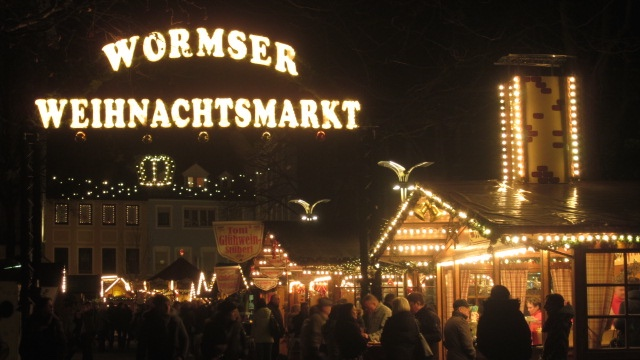 Weihnachtsmarkt Mainz.Campus Mainz Mit Dem Semesterticket Auf Den Wormser Weihnachtsmarkt