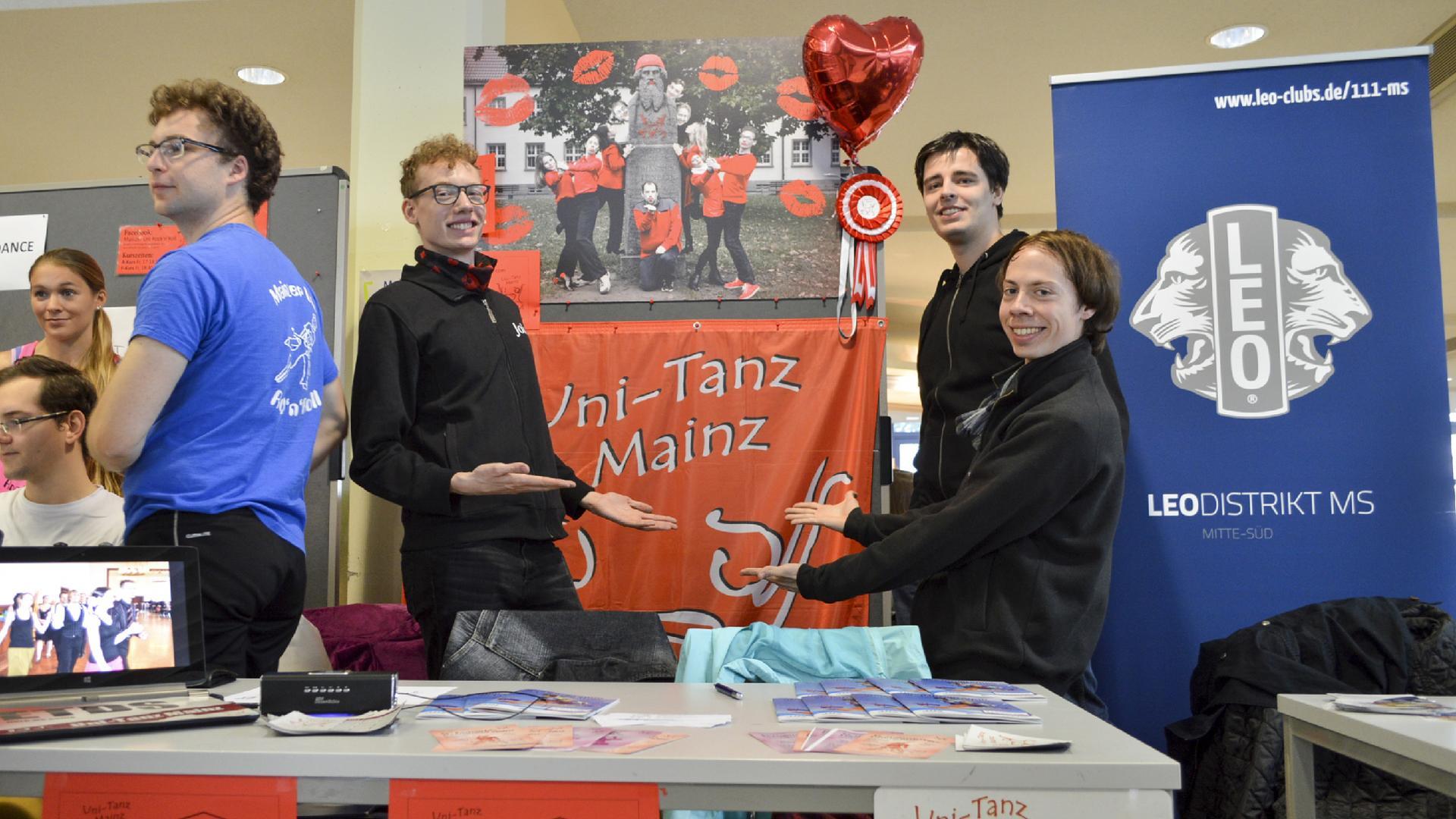 Mitglieder des Uni-Tanz Mainz